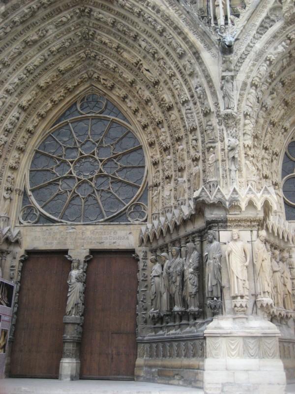 大聖堂の入り口.jpg