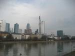 ドイツの町並み新しい.と古い.jpg